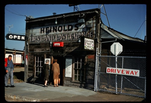 Alex Dawson, Patrons entering Heinold's First and Last Chance Saloon, Oakland, California, 1 June 1960.
