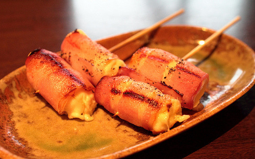fuckyeahgreatfoods:   Cheese to Bacon no Kushiyaki  Bacon and Cheese BBQ
