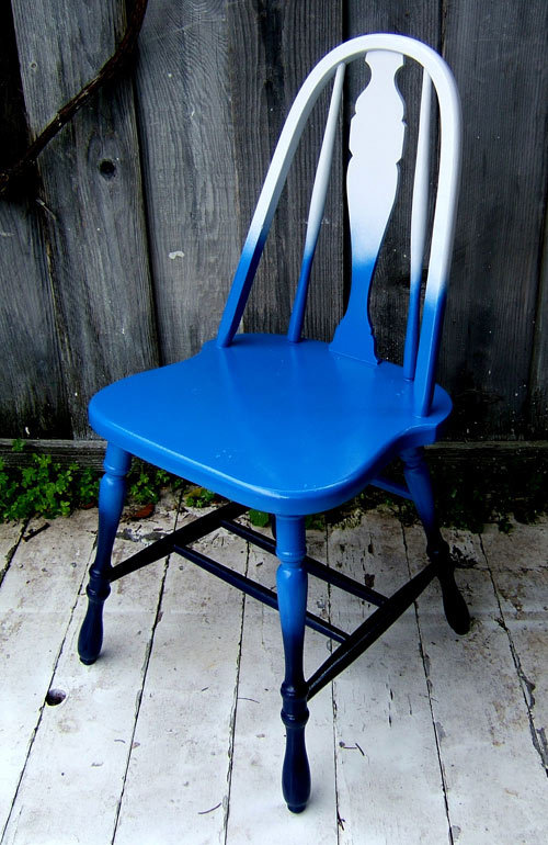 diy : shades-of-blue ombre chair