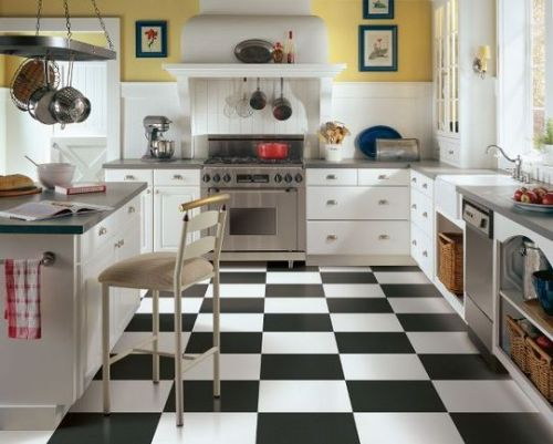 I love everything about this kitchen. (via Designing Around Black & White Checkerboard Kitchen Floors | Apartment Therapy)