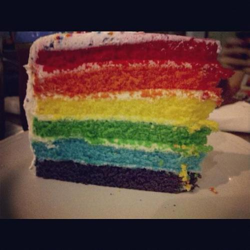 Wanna try this rainbow cake by @NINOTCHKA_JKT