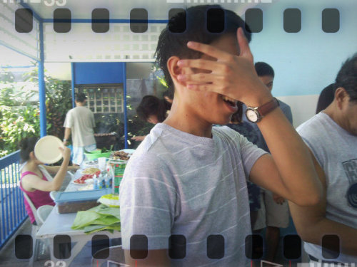 Gian's attempt at hiding his haggard face XD