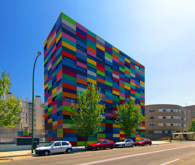 enochliew:  PAU Carabanchel by Rafael Cañizares & Eduardo Vadillo Ruiz The block of 16 colours was inspired by Paul Klee's paintings.