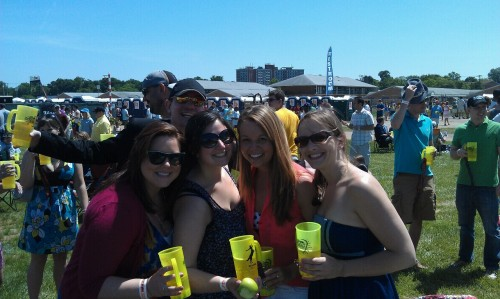 thekeevster:  Tumblr girls at preakness.  So excited!!!