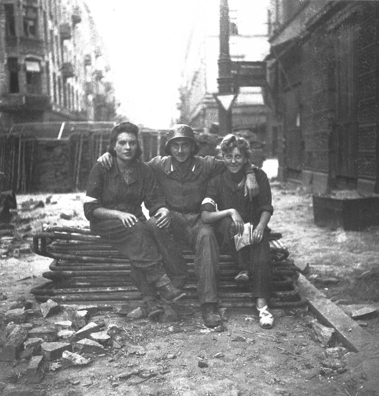 Insurgents of the Warsaw uprising, 1944.