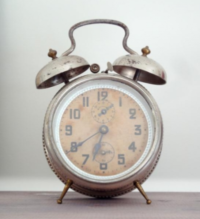 carnetimages-8:  Vintage Alarm Clock via french by design