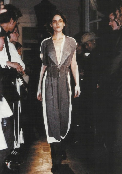 untilasinglesolitonsurvives:  Martin Margiela Spring Summer 1999