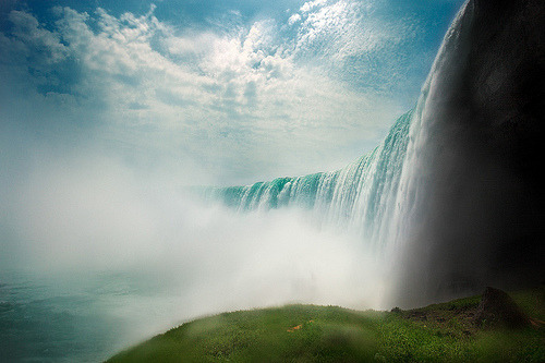 Niagara Falls - Canada Side (by LaurentBatailley)
