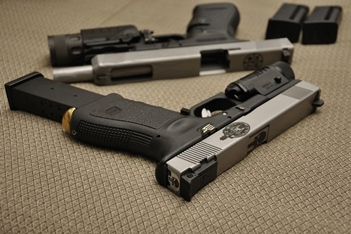 johnny-escobar:  Pair of Glocks