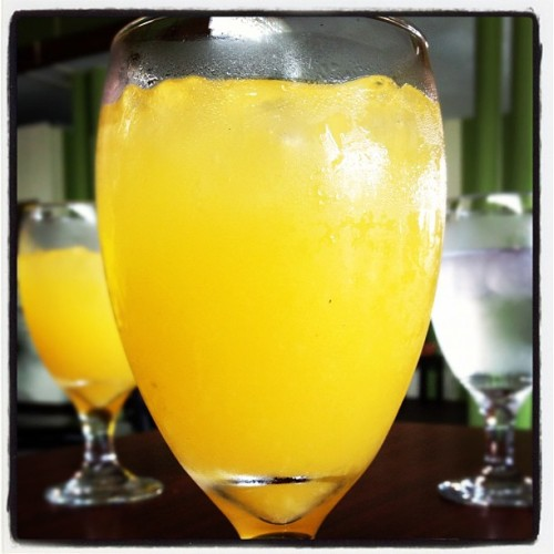 Best fresh orange juice at Palmas Cafe #yummy #foodie #summer2012 #happiness  (Taken with instagram)