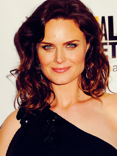 100 Pictures of Emily Deschanel {8/100}