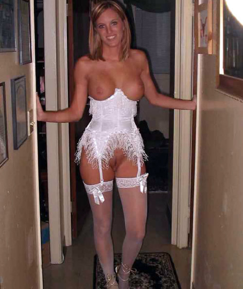 soccermomsarehot:  Wedding dress