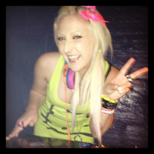 Guest Dj: DJ Miss Dust. Resident Dj at Pure nightclub in Vegas.