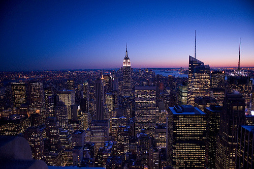 theworldwelivein:  DuskSkyline.jpg (by Mondayne)