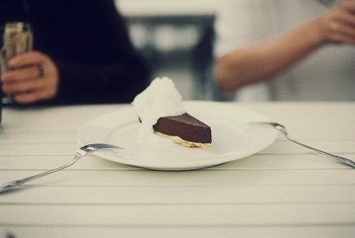 levittious:  chocolate & bailey's (by leslie*thomson)