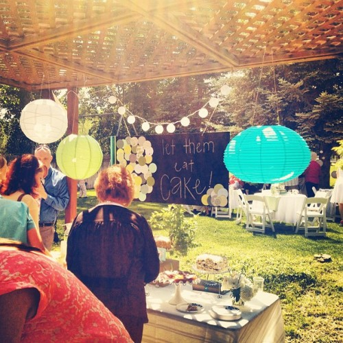 mymadeleines:  #wedding #cakebar (Taken with instagram)