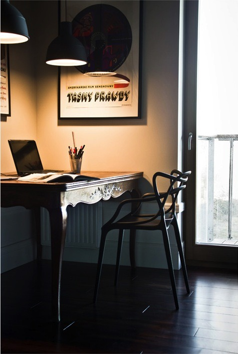 myidealhome:  stay focused (via micasaessucasa:home in Poland)     That desk is beautiful.
