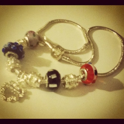 #pandora #charms #necklace #jewelry #amour #heart #flowers (Taken with instagram)