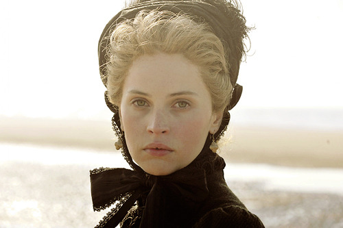 The Invisible woman : un nouveau biopic sur Charles Dickens (Ralph Fiennes) Tumblr_m4ar3oPbsy1qkyo4ro1_500