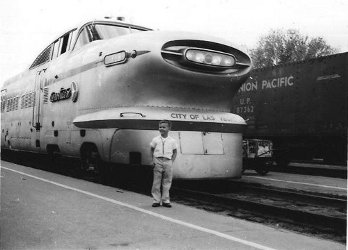 cannolis:  Aerotrain in Las Vegas by Era: '51 on Flickr.