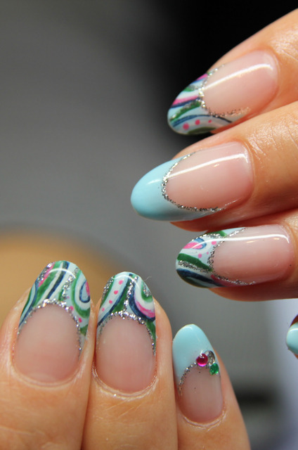 nailpop:  French paisley nails