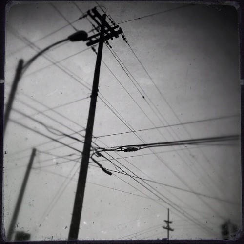 #iphone #procamera #snapseed #lomob #bw #wires (Taken with instagram)