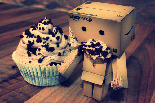 I did not eat the cupcake *pokerface*