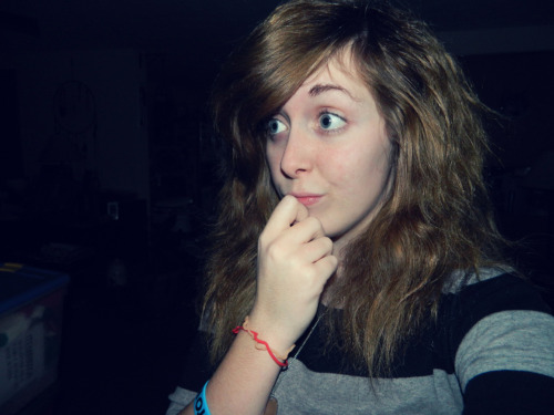 lace-ayy:  Rockin' the natural hair. \m/  das meeee