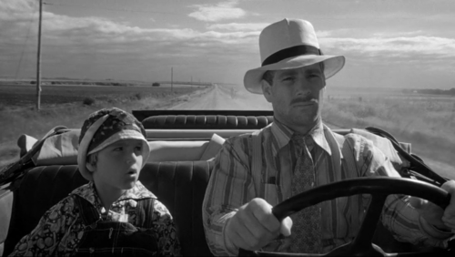 Paper Moon A film watchable for many reasons, but principally for its ability to pull a sweet narrative out of Depression-era images. Also benefitting Paper Moon is the chemistry between swindler Moses Pray (Ryan O'Neal) and swindler-in-training Addie Loggins (Tatum O'Neal) as they make their way through Kansas.
