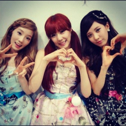 [From. SEOHYUN] 고마워요❤  소원의 사랑을 먹고 무럭무럭 자라고 있는 소녀시대 태연! 티파니! 서현! (개인활동 활발히 하는 우리 여섯명 언니들도!!) 소원 사랑맛은 우리만 느낄수있는 특권!!^^ 고마워요❤  [TRANS] We're Girls' Generation Taeyeon! Tiffany! Seohyun! who eat sones' love and grow up A LOT! (+other 6members who are work in their fields of activity) The Taste of Sones' Love is just our privilege!!^^ Thank you ❤  Translated : DC_Seeoticon #taetiseo #taeyeon #tiffany #seohyun (Taken with instagram)