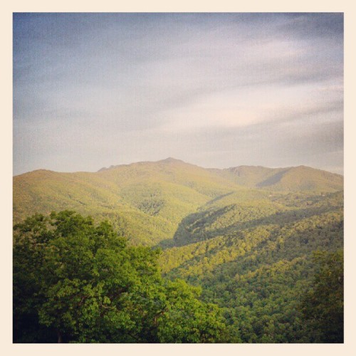 nobodysdiary:  Goodbye, mountains. (Taken with instagram)