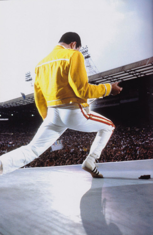 Queen- liveat Wembley Stadium 12-07-1986 Saturday  (25th Anniversary Edition)    http://www.youtube.com/watch?v=uh9oUHO2dxE&list=PL368060D3389FF792&index=109&feature=plpp_video