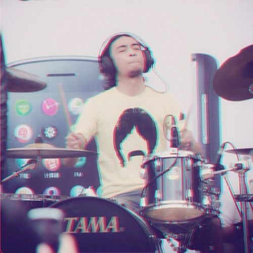#boy #man #men #male #people #human #3d #drummer #musician #musicians #drums #iphonesia #instago #instagood #statigram #bestoftheday #photooftheday #instagramhub #instafamous #instamood #all_shots #webstagram #gang_kaskus #aic #ikaskus #kaskus #color (Taken with instagram)