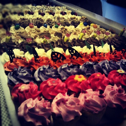 Cupcakes at Montmarte. #Paris #France  (Taken with instagram)