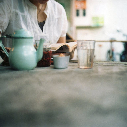 underthesamesofa: