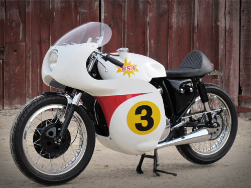 1967 BSA Lightning built by Union Motorcycle Classics for Caferacer TV.  Seeing this makes me want a full faired cafe racer in the garage. Like us on FB