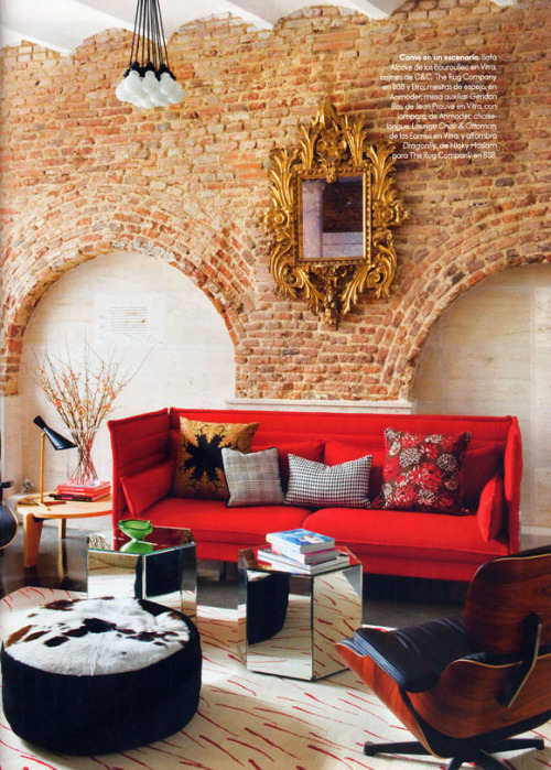 Living room with historic brick walls, located in Madrid (via VINTAGE & CHIC: decoración vintage para tu casa [] vintage home decor)