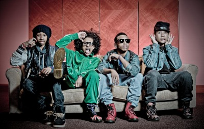 barbiebxtchzz:  Mindless Behavior! <3 What a bunch of goof balls