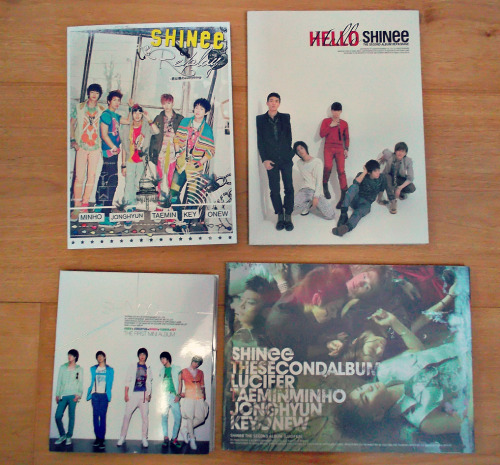 lahkey:  SHINee Giveaway since i have more than one of these cd's i've decided to give these away to one of you~  reblog as many times as you want (NO spamming tho) like counts as one entry i ship everywhere no giveaway blogs (i will check) giveaway ends July 1 :)  DO WANT!!! D: