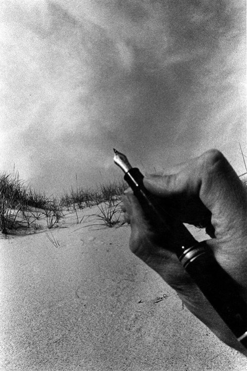 mondonoir:  Ralph Gibson, Untitled (from 'The Somnabulist' series), 1974 Vintage gelatin silver print on doubleweight paper (+)