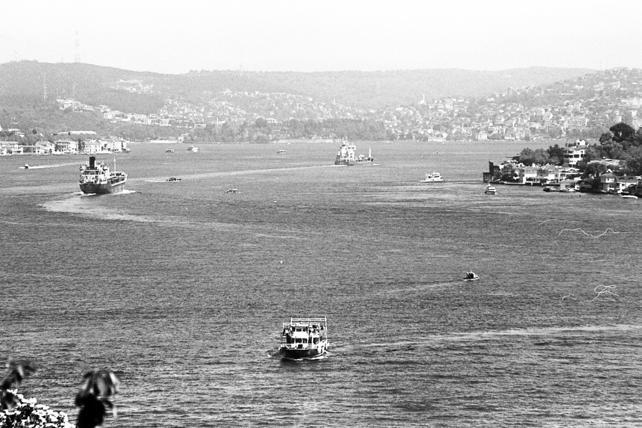 Floating traffic shot with canon eos 50e | kodak tri-x 400
