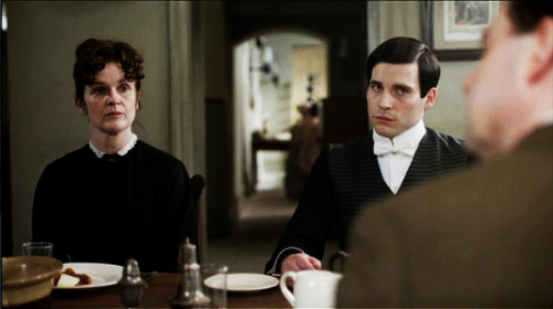 lady-edith-and-the-footman:  Team O'B screencap. Feel free to loot.