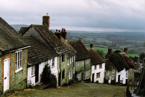 Gold hill, England. by Dorsett Studios on Flickr.
