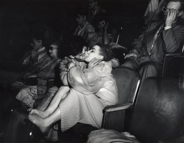 steroge:  Weegee - Lovers…with 3D glasses (infra-red) at the Palace Theatre, 1943