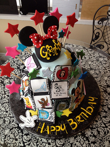 Disney cake (by Royalty_Cakes)