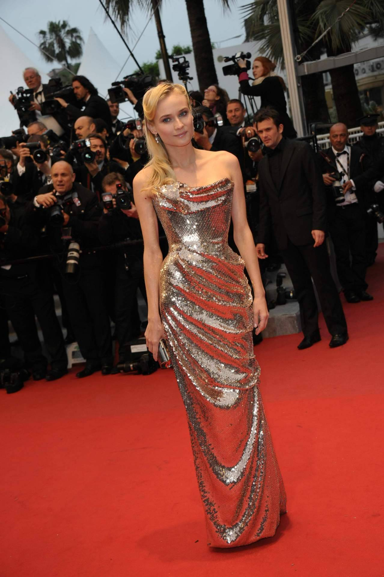 Diane Kruger in Vivienne Westwood at the premiere of Amour at the Cannes Film Festival, May 20th A tall pale blonde in beautiful sculpted Vivienne Westwood!  It's too much!