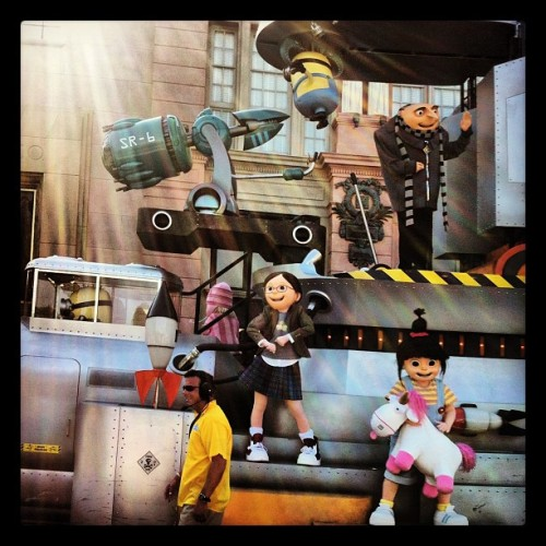 katybeth:  I flipped out guys! #workit (Taken with Instagram at Universal's Superstar Parade)