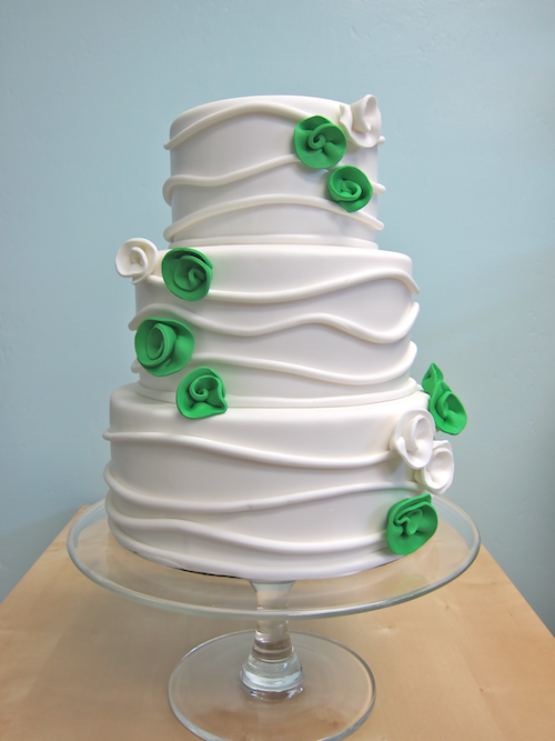 thefrostedcakeshop:  Modern Wedding Cake