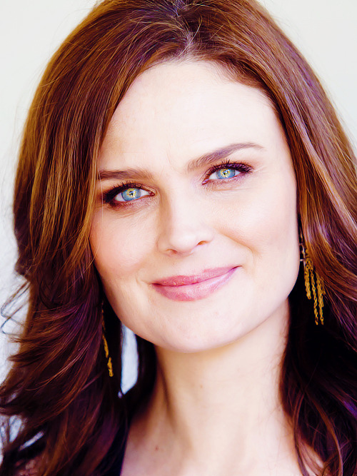 100 Pictures of Emily Deschanel {9/100}