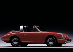 Porsche 911 Targa, 1967. Photo by Rene Staud.